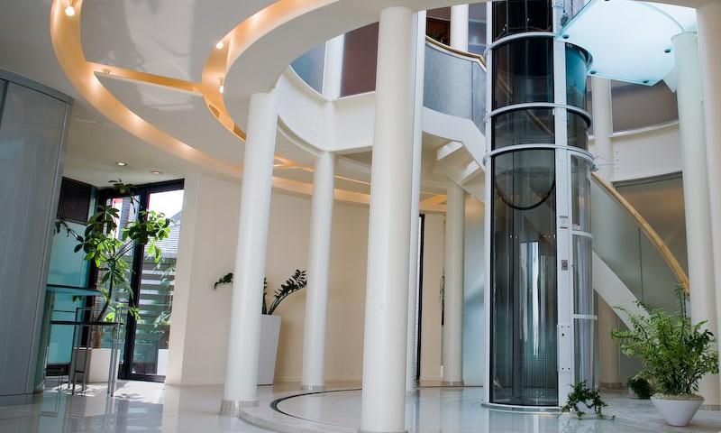 Instalar ascensor que se adapta a cualquier espacio for Cuanto vale una escalera