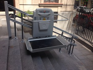 plataforma elevadora minusvalidos escalera