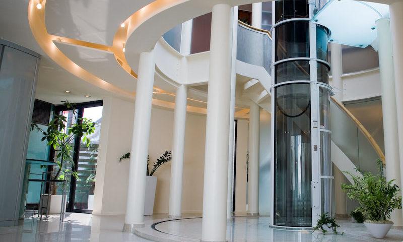 Por qué los nuevos ascensores son más seguros y modernos