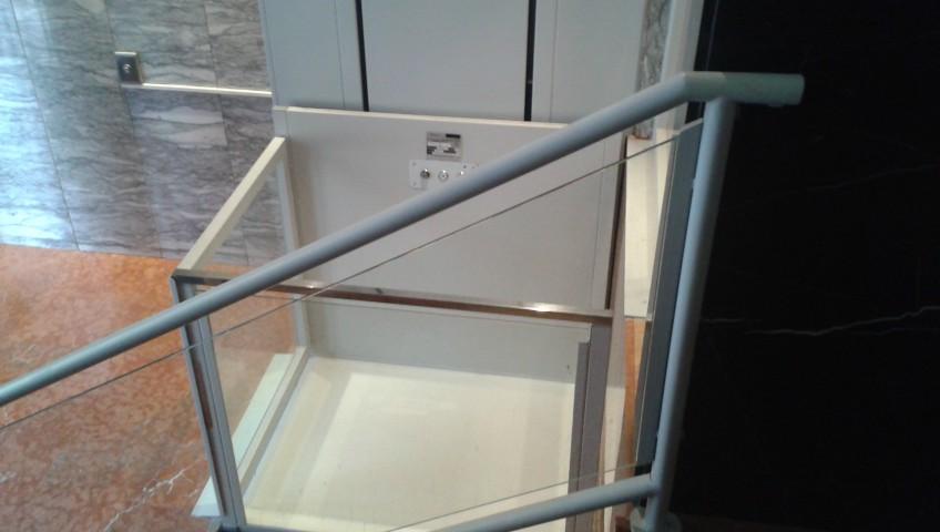 plataformas elevadoras para minusvalidos