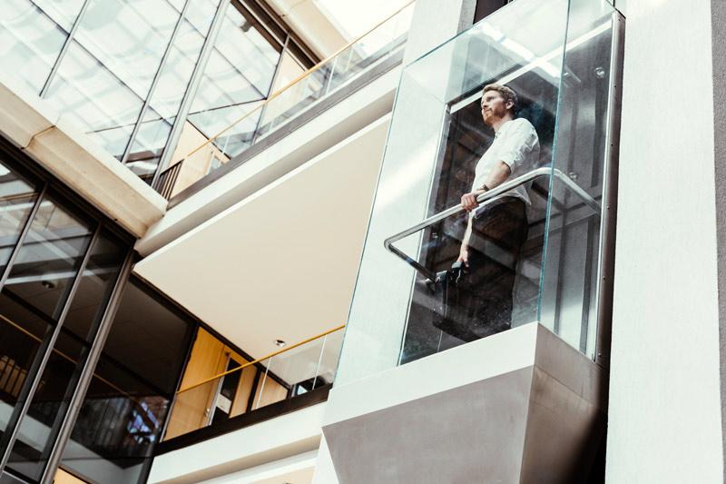 Instalación de ascensores en fachada Disel