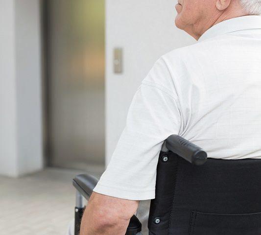Mejora la calidad de vida de tus mayores con ascensores accesibles