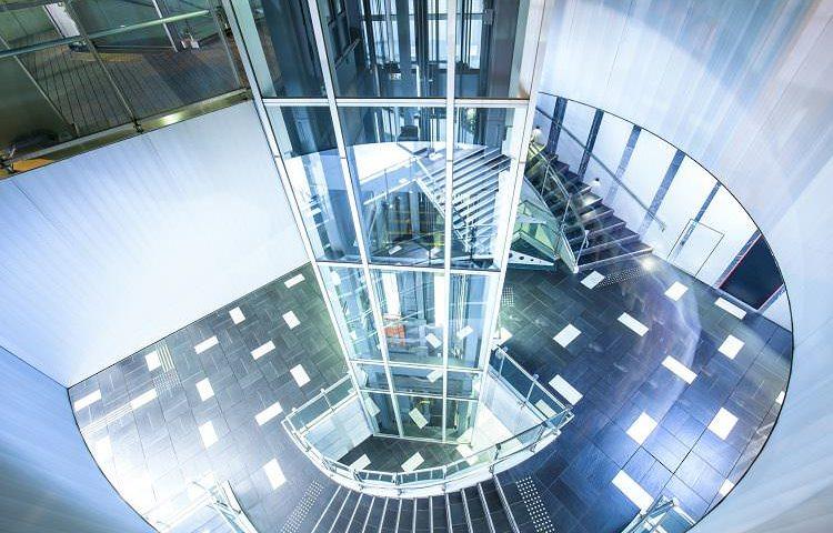 Disel Studio, ascensores