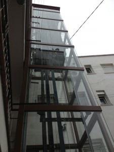 ascensor de escalera sin hueco