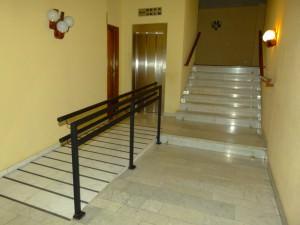 la instalación de las rampas salvaescaleras en edificios - Disel Studio