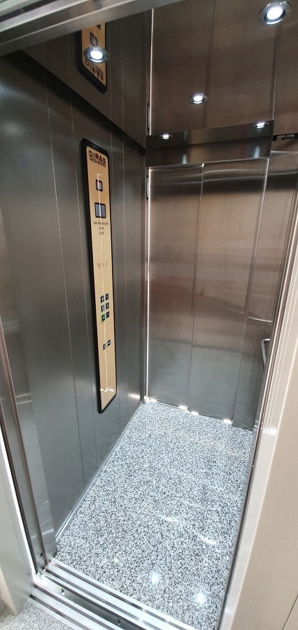 Mantenimiento de ascensores en otoño