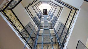 ascensores en estaciones