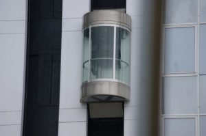 Normativa europea de ascensores seguros